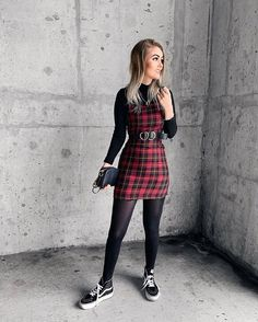 ALTGIRL sur Instagram : This look! 🖤 🤘 . . . 📸 @vickiamaya . . #plaid #shoes #vans #vansgirls Grunge Hipster Fashion, Vans Girls, Smart Outfit, Vixen, Alternative Fashion, My Favorite Color, Nasty Gal, My Wardrobe, Casual Outfits