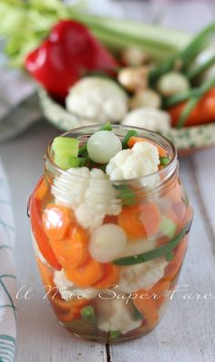 Giardiniera in agrodolce Easy Cooking, Cooking Recipes, Fish Stew, Good Food, Yummy Food, Antipasto, Cooking Instructions, Desert Recipes, Chutney