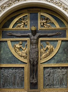Crucifix in a side chapel of Salamanca Cathedral.(Photo by Lawrence OP)