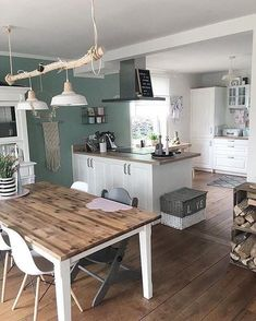 What a cozy kitchen at Fraeuleinemmama! - What a cozy kitchen at Fraeuleinemmama! Country Style Homes, Rustic Style, Boho Style, Sweet Home, Home Decor Baskets, Style Deco, Cozy Kitchen, Kitchen Fixtures, Cuisines Design