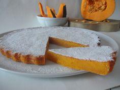 la torta tenerina alla zucca ha caratteristiche uniche: a metà via tra una torta ed un dolce al cucchiaio, morbida e dal sapore dolce, delicato e vellutato.