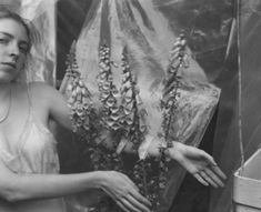 Francesca Woodman Society of Ambivalence Francesca Woodman, Exposure Time, Double Exposure, Fan Ho, Female Photographers, Photo Projects, Street Photo, Black And White Pictures, Creative Photography