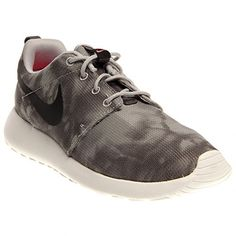 21f7e48a355809 Nike Mens Roshe Run BlackFlint Grey Sneaker 8 D Medium -- For more  information,