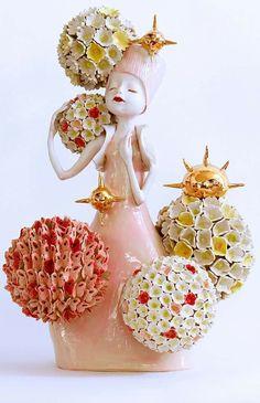 Clairy Laurence Ceramic Clay, Ceramic Pottery, Sculpture Art, Ceramic Sculptures, China Girl, Public Art, Art Dolls, Glass Art, Christmas Bulbs