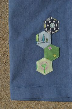 hexie napkin - good way to use up some hexagons