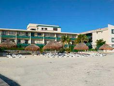 Club Verano Beat es uno de los hoteles 3 estrellas de Cancún mas solicitados por su excelente servicio y su hermosa playa, donde podrá disfrutar de la tranquilidad de hospedarse en la Zona Hotelera.    Ubicado en un lugar estratégico que le permite al huésped visitar los lugares mas populares de Cancún sin tener que desplazarse largo tiempo.Lo caracteriza su ambiente familiar donde podrán disfrutar del sol, mar y tranquilidad como si estuviera en su propia casa.