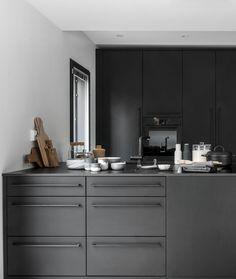Beautiful black kitchen - via cocolapinedesign.com