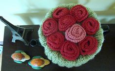 Rosie Posy Tea Cosy for me Green Bodies, Knitted Flowers, Tea Cozy, Crochet Earrings, Crochet Jewellery, Pattern Library, Yarn Colors, Tea Cosies, Red Roses