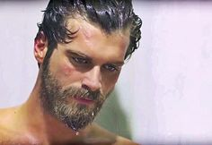 Kurt Seyit ve Sura Season 1 Ep 13 Turkish Men, Turkish Actors, Cool Haircuts, Haircuts For Men, Travis Fimmel, Kurt Seyit And Sura, Father Photo, Bad Picture, What A Girl Wants