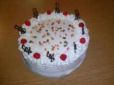 Oroszkrém torta Hungarian Cake, Flower Delivery, Sweet Life, Sweet Recipes, Tart, Food And Drink, Pudding, Dishes, Blog