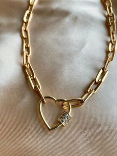 Chain Link Necklace - Chunky Choker - Carabiner Lock Necklace - Heart Lock Necklace - Statement Necklace - Linked choker Necklace - H Jewelry Trends, Jewelry Accessories, Jewelry Design, Fashion Necklace, Fashion Jewelry, Gothic Fashion, Cute Jewelry, Wolf Jewelry, China Jewelry