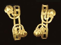 PAIR OF GREEK GOLD BRACELETS  HELLENISTIC PERIOD, CIRCA 1ST CENTURY B.C.