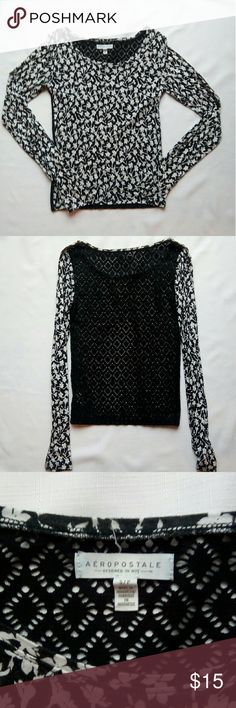 Black and White floral Aeropostale long sleeve Size small Good condition - normal wear/ very slight pilling Adorable lace back Aeropostale Aeropostale Tops Tees - Long Sleeve