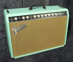 Photos et images Fender Super-Sonic 22 Combo Fender Guitar Amps, Fender Deluxe, Sonic, Vacuum Tube, Cool Guitar, Playing Guitar, Drums, Bass, Instruments