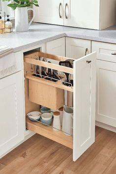 Awesome 38 Inexpensive Kitchen Storage Ideas For House. A lot of people tend to overlook the fact that a kitchen is also there for storage purposes, as well […] Kitchen Cabinet Storage, New Kitchen Cabinets, Built In Cabinets, Kitchen Organization, Soapstone Kitchen, Organization Ideas, Kitchen Counters, Bathroom Storage, Pantry Cabinets