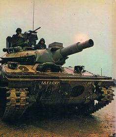 Sheridan the only tank developed to be air droppable, with a innovative 152 mm dual gun and missle system Vietnam History, Vietnam War Photos, Sheridan Tank, Patton Tank, Us Armor, Military Armor, Armored Fighting Vehicle, World Of Tanks, Military Equipment