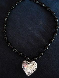 Chunky wire heart necklace