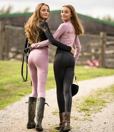 Twin Style 🤘🏼 Need to do another shoot with these angels, the pictures are the cutest 😭 They're wearing our mauve and black leggings and… Preteen Girls Fashion, Teen Girl Outfits, Girl Fashion, Cute Outfits, Teen Girl Poses, Fashion Models, Equestrian Girls, Equestrian Outfits, Equestrian Fashion