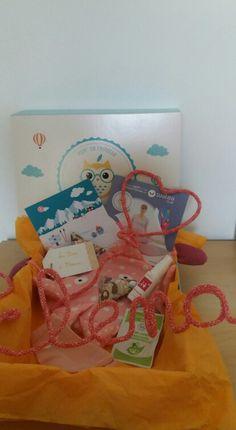 Box bébé Pom' de Reinette & Cie * Anti GlaGla * Février * Coffret cadeau personnalisé Elena * rose * www.pomdereinette.fr