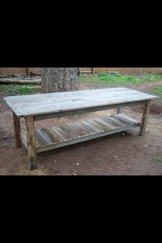 Pallet Tables Projects Farmhouse Table plans from pallets. cost is approx TWO DOLLARS ; Pallet Crafts, Pallet Projects, Home Projects, Pallet Ideas, Garden Projects, Do It Yourself Design, Do It Yourself Home, Pallet Furniture, Furniture Projects