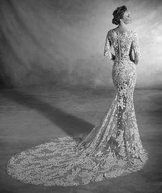 Narciso - Vestido de novia en tul, pedrería y escote barco