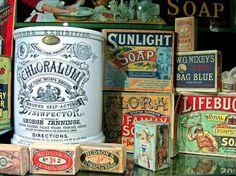 Resultados de la Búsqueda de imágenes de Google de http://thepetitebrunette.com/wp-content/uploads/2009/11/vintage_packaging.jpg