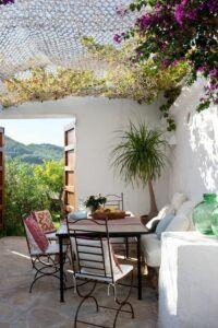 Petit Salon De Jardin Pas Cher In 2020 Outdoor Rooms Outdoor Decor Outdoor Dining Room