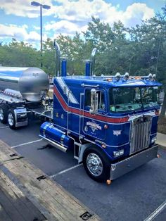 Kenworth COE  Awesome . Quick shout to the coolest haul company. You should vehicle with us. Premium Exotic Auto Enclosed Transport. We are coast to coast and local. Give us a call. 1-877-eHauler or click LGMSports.com