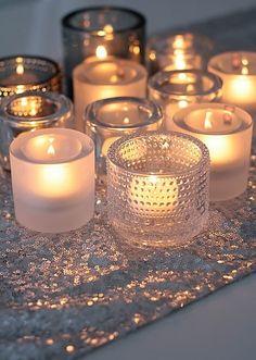 Velas para preparar un rincón para el recuerdo de la persona fallecida. Esto nos dará un espacio seguro donde poder recordar a nuestro ser querido.