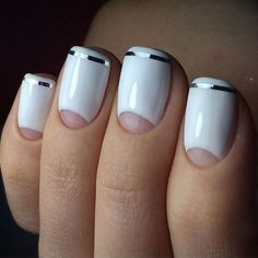 Moon nails combine two contrast color varnishes and the base of the nail plate is shapes as a moon. This type of manicure appeared in the and French Nails, Diy Nails, Manicure And Pedicure, Subtle Nail Art, Tape Nail Art, Moon Nails, Crazy Nails, White Nails, White Manicure