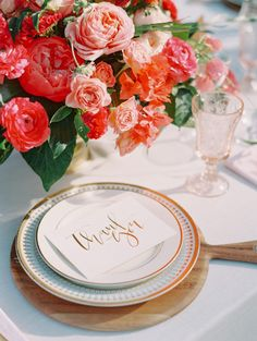 DIY Cutting Board Wedding Chargers + Favors
