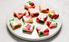 Gelatina de Mosaico Layered Jello, Mexican Candy, Mexican Snacks, Mexican Recipes, Muffins, Chocolate Wafers, Different Cakes, Cupcakes, Most Popular Recipes