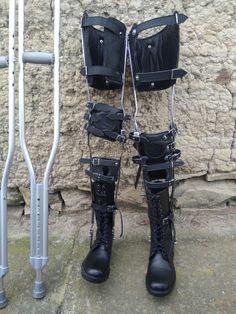 Braces, Combat Boots, Legs, Shoes, Fashion, Moda, Zapatos, Shoes Outlet, Fashion Styles