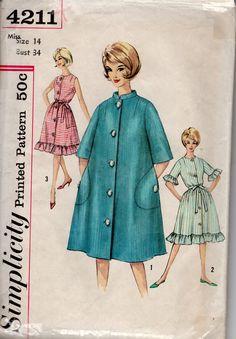 Vintage 1960's - 1962 -  Simplicity 4211