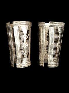 Pakistan - Punjab Province, Kalabagh | Pair of cuff bracelets ~ bhain ~ silver.  // ©Quai Branly Museum. 71.1978.95.51.1-2