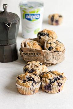 banaanimustikkamuffinssit (make for box brunch! Brownie Recipes, Cupcake Recipes, Dessert Recipes, Desserts, Sugar Free Brownies, Gluten Free Brownies, Dairy Free Recipes, Vegan Recipes, Sugar Free Muffins