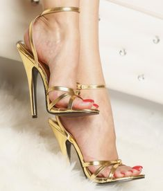 high heels – High Heels Daily Heels, stilettos and women's Shoes Hot Heels, Sexy High Heels, Frauen In High Heels, Beautiful High Heels, Sexy Legs And Heels, High Heel Pumps, Womens High Heels, Stilettos, Stiletto Heels