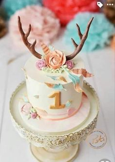 Wild one Birthday cake, cake smash - First Birthday Party Decor Ideas Wild One Birthday Party, Baby Girl 1st Birthday, First Birthday Cakes, 1st Birthday Girls, First Birthday Parties, Birthday Ideas, Cupcakes, Oh Deer, Partys