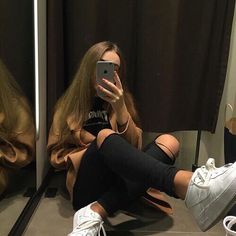 Image about girl in skater look by Daniiikaaaa ' Tumblr Photography, Photography Poses, Long Curly Hair, Curly Hair Styles, Selfies Poses, Tmblr Girl, Revival Clothing, Foto Casual, Fake Girls