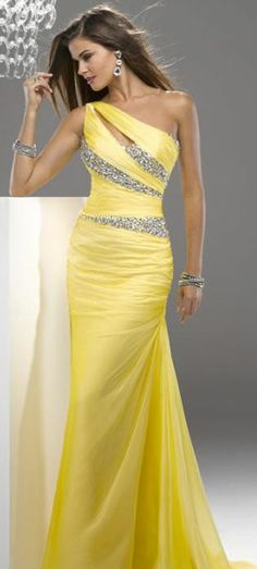 Sexy Yellow Dress!! Break out the Champagne!