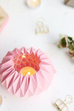 Kreative DIY-Idee für den Herbst: Herbstliche Origami-Windlichter einfach selber basteln - mit Vorlage und Step-by-Step Anleitung | Herbst DIY | Origami Teelicht