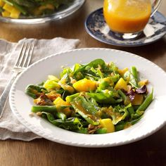 This dish is a nice change from ordinary green salad and is elegant enough for company. The dressing is one of my favorites. Its sweetness complements the crisp greens and crunchy green beans. Lettuce Salad Recipes, Cabbage Salad Recipes, Side Salad Recipes, Hanukkah Food, Hanukkah Recipes, Ginger Salad Dressings, Ginger Green Beans, Green Bean Salads, Spring Salad