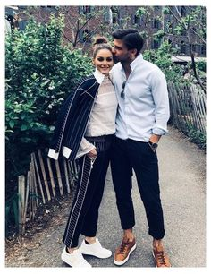 Olivia Palermo and Johannes Huebl Olivia Palermo Outfit, Estilo Olivia Palermo, Olivia Palermo Lookbook, Johannes Huebl, One Direction Shirts, Stylish Couple, Couple Outfits, Casual Outfits, Fashion Couple