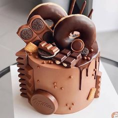Candy Birthday Cakes, Elegant Birthday Cakes, Beautiful Birthday Cakes, Cupcakes, Cupcake Cakes, Chocolate Cake Designs, Crazy Cakes, Drip Cakes, Pretty Cakes