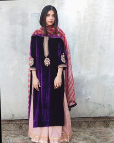 eternally chic festive pieces come in lush for Fall. Pakistani Fashion Party Wear, Pakistani Bridal Dresses, Pakistani Outfits, Indian Dresses, Indian Fashion, Pakistani Clothing, Fall Fashion, Velvet Pakistani Dress, Pakistani Dress Design