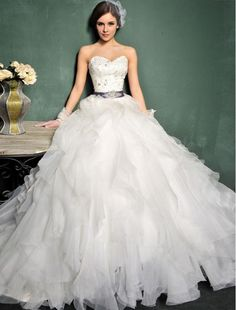 Organza Sweetheart Neckline A-Line Wedding Dress with Lavish Ruffle Skirt