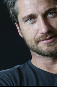 Gerard Butler Repin & Like. Thanks . Llisten to Noel's songs. Noelito Flow…