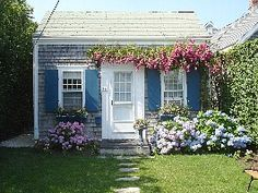 Charming Brant Point Rose Covered Cottage... - HomeAway Brant Point