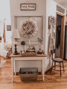 Cute but Functional Entryway – KY Farmhouse Farmhouse Entryway Table, Rustic Entry, Entryway Decor, Farmhouse Decor, Entryway Tables, Cottage Farmhouse, Farmhouse Style, Modern Entryway, Farmhouse Ideas