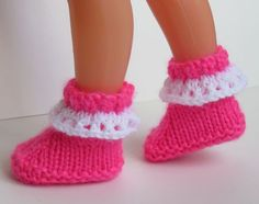 Super Ideas for baby shoes fabric pattern Knit Baby Shoes, Baby Shoes Pattern, Knitted Doll Shoes Free Pattern, Crochet Pattern, Clothing Tags, Clothing Patterns, Knitted Dolls, Toys For Girls, Crochet Clothes